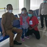 Di Rujuk Ke Makassar, Istri Gubernur Maluku Minta Masyarakat Doakan Bocah Pengidap Kanker Mata