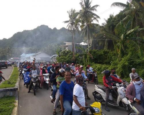 SMS-GES Unggul Hampir Disetiap TPS Di Bursel, Warga Pawai Kemenangan